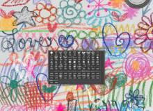 蜡笔、粉笔爱心涂鸦标记和手绘花朵、五角星等PS笔刷素材下载