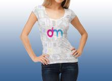 女模特T恤品牌展示PSD样机模板素材下载