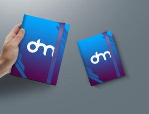 手拿笔记本展示PSD样机模板素材