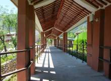 林间走廊、回廊背景PS照片背景素材(免费商用照片下载,6240X4160 像素)