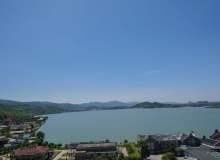 湖边酒店风景照片素材免费下载