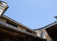 民国年间老房子的天空一角照片素材(免费商用照片下载,6240X4160 像素)