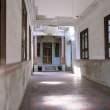 民国时期老房子走廊照片素材(免费商用照片下载,6240X4160 像素)