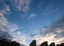 免费正版!夏季傍晚的天空高清照片素材