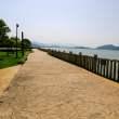 岸边石板小路 – 高清图片免费下载