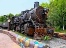 老旧铁皮火车照片背景