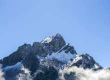 雄伟的玉龙雪山背景 – 超4K解析度