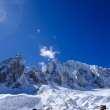 高原雪山背景图片